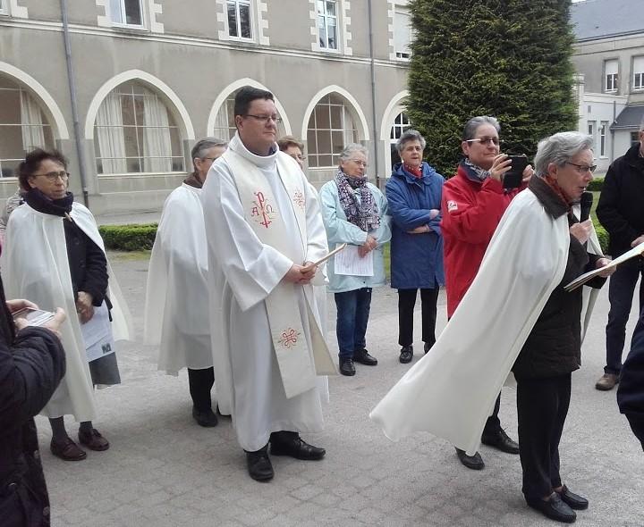 Vénération des reliques de Ste Thérèse et de ses parents
