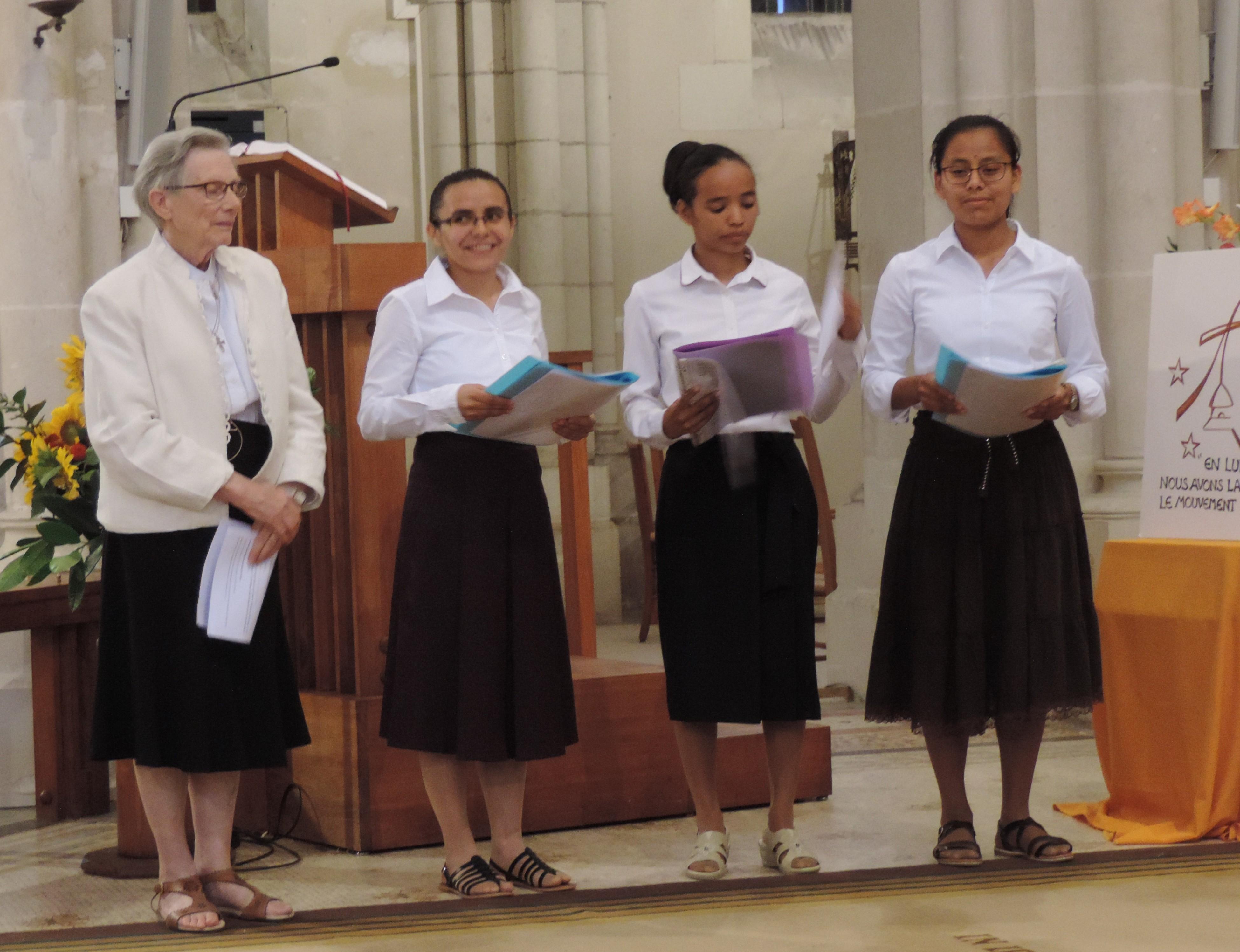 Célébration de profession religieuse à la Pommeraye