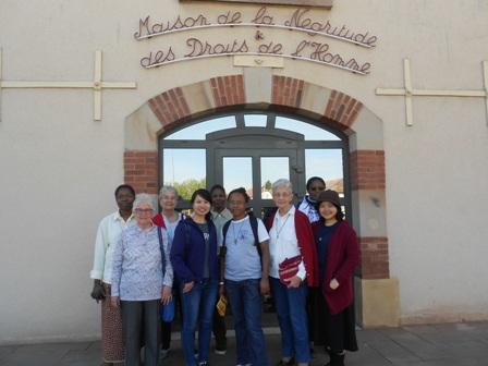 Jeunes et aînées sur les routes de l'abolition