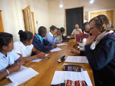 AIR Madagascar: Cheminer ensemble…